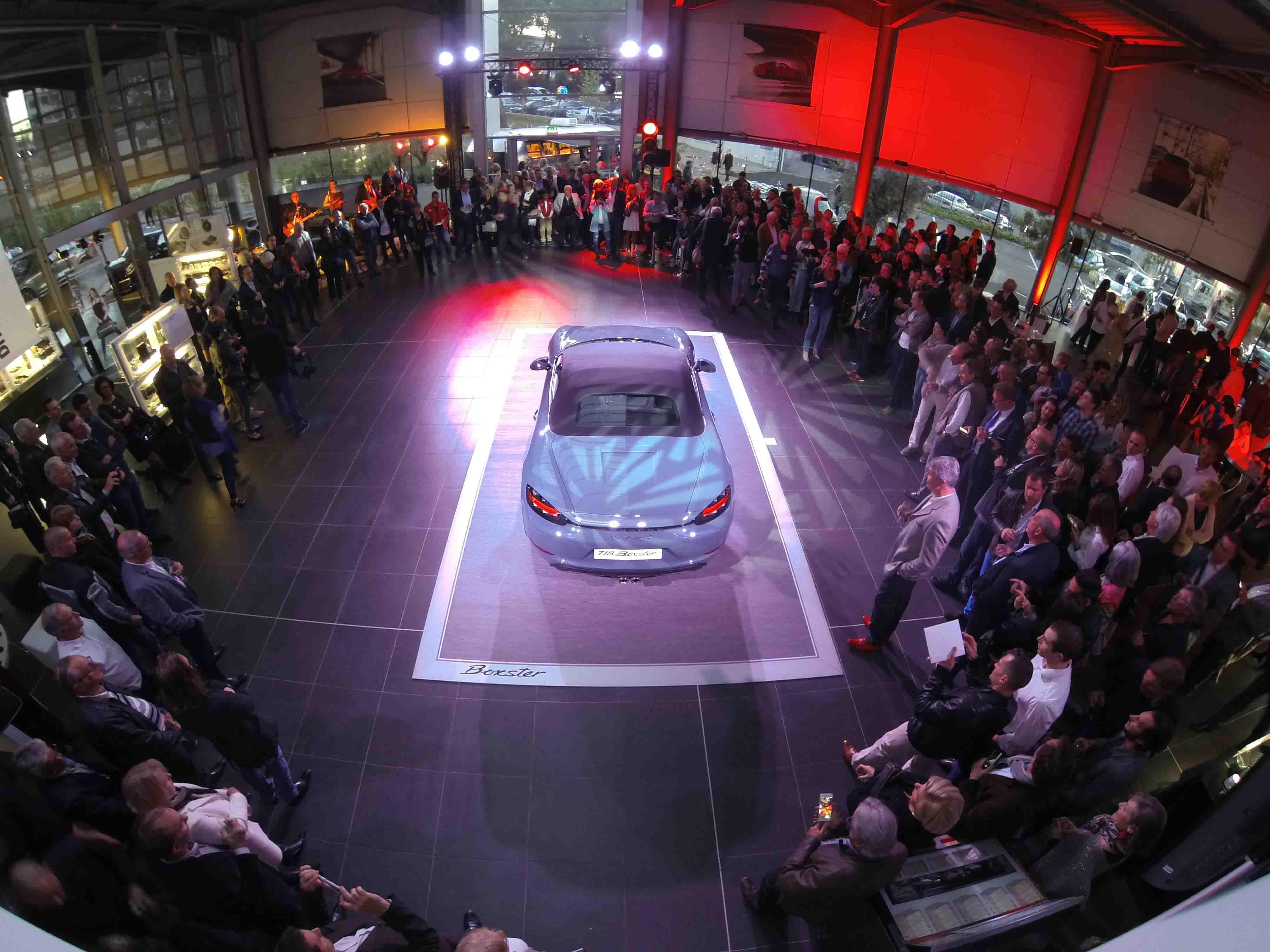 Voiture Porsche dévoilée